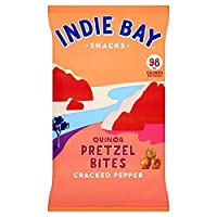 [Indie Bay Snacks ] 割れたコショウ160グラムとインディーベイスナックキノアプレッツェル刺さ - Indie Bay Snacks Quinoa Pretzel Bites with Cracked Pepper 160g [並行輸入品]