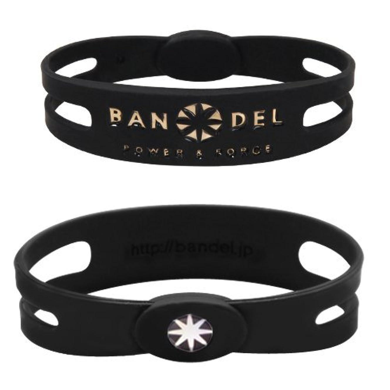 荷物ガイダンス浸すバンデル(BANDEL) メタルプレート スポーツギア シリコンブレスレット(ブラック×ゴールド) Mサイズ