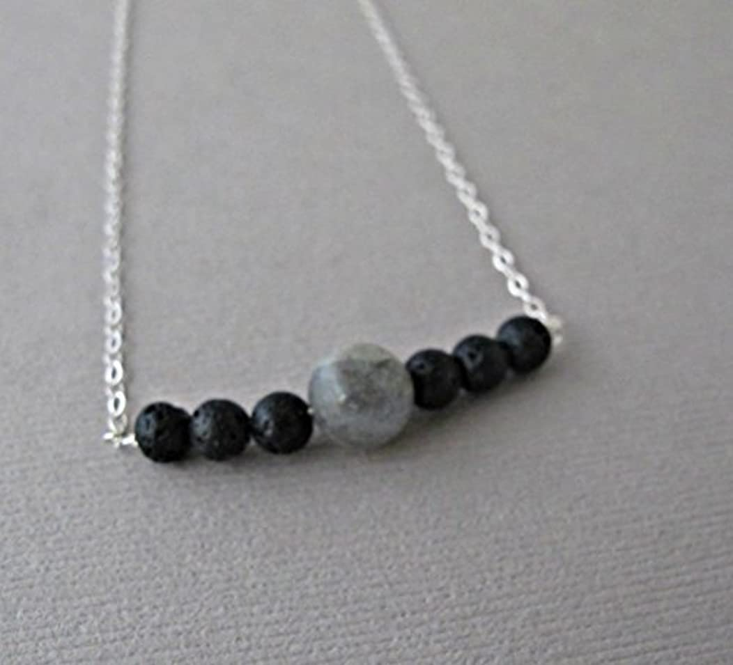 頼むビーム謙虚Labradorite Lava Pendant Essential Oil Necklace Diffuser Aromatherapy - Simple Minimalist Lava Bead Diffuser Necklace...
