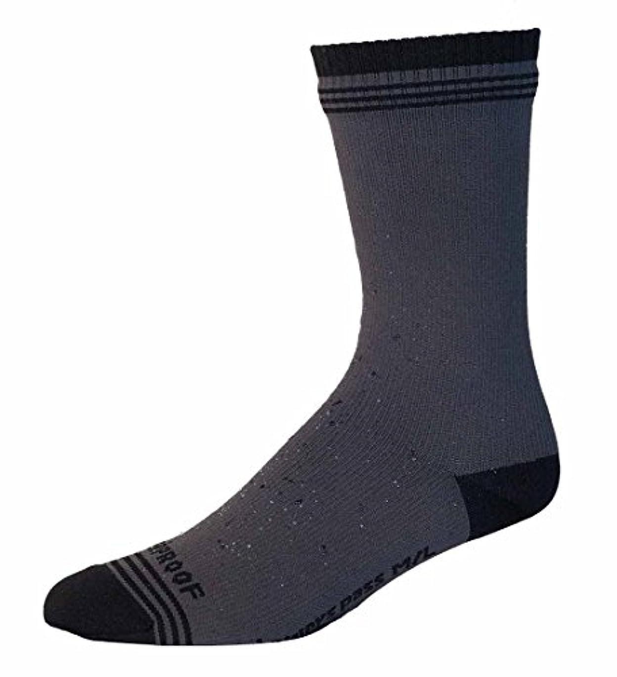 お願いします日焼け矩形Showers Pass ソックス Crosspoint WP Crew Sock Gray/Black M-Lサイズ