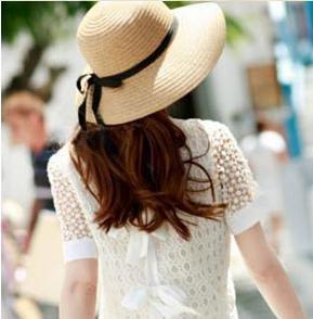 女優さん御用達 麦わら帽子 ストローハット 選べる 2色 折りたたみ 可 紫外線 防止 かわいい レディース 人気 (ベージュ)