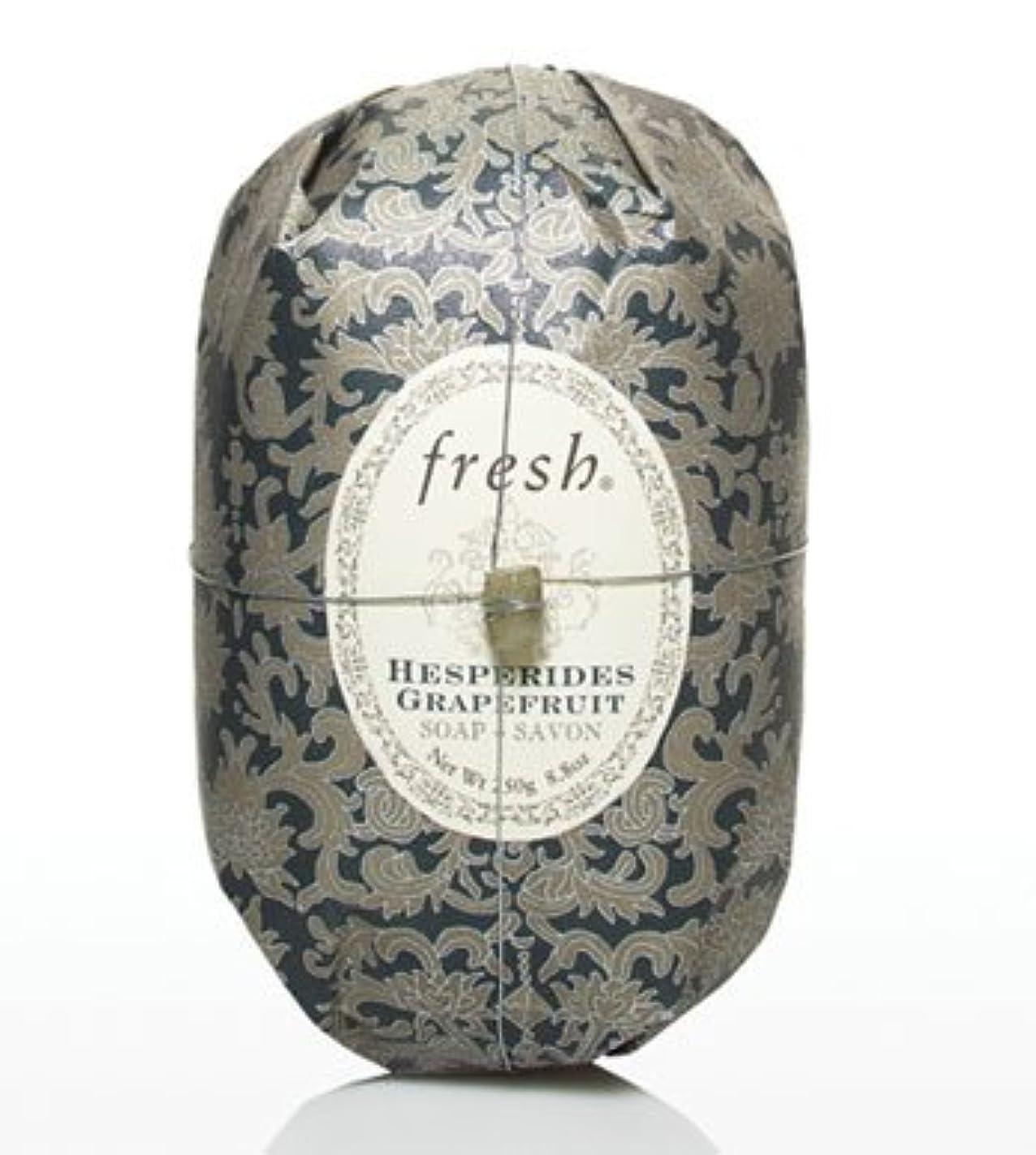 飽和する効果的に薬局Fresh HESPERIDES GRAPEFRUIT SOAP (フレッシュ ヘスペリデス グレープフルーツ ソープ) 8.8 oz (250g) Soap (石鹸) by Fresh