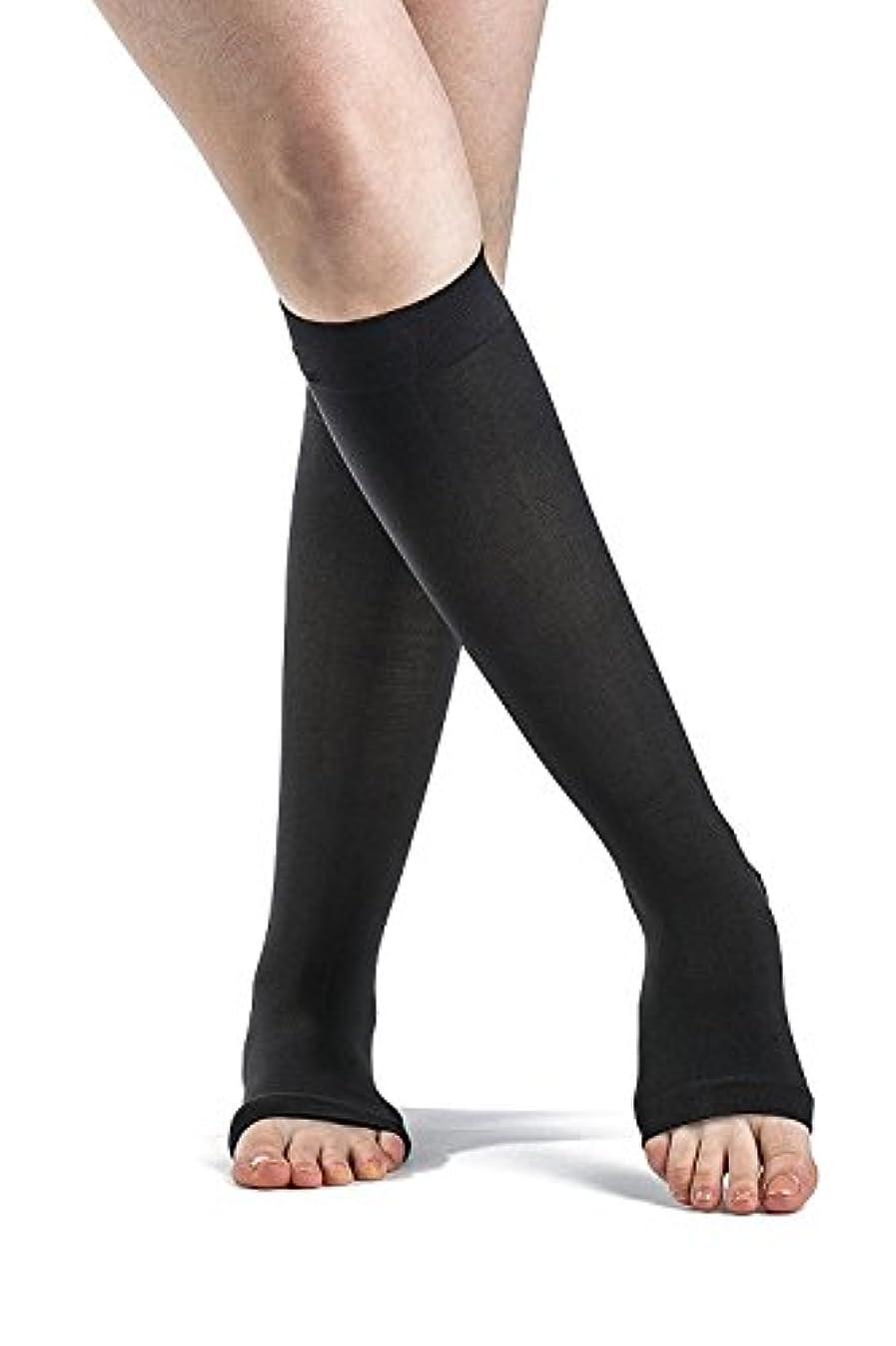 デッキ無駄なかもしれないSigvaris Soft Opaque 843CMSO99 30-40 mmHg Womens Open Toe Calf, Black, Medium-Short by Sigvaris