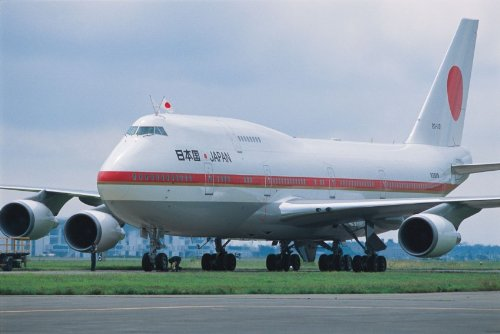 1/144 B747-400 日本国政府専用機 (内部再現キット)