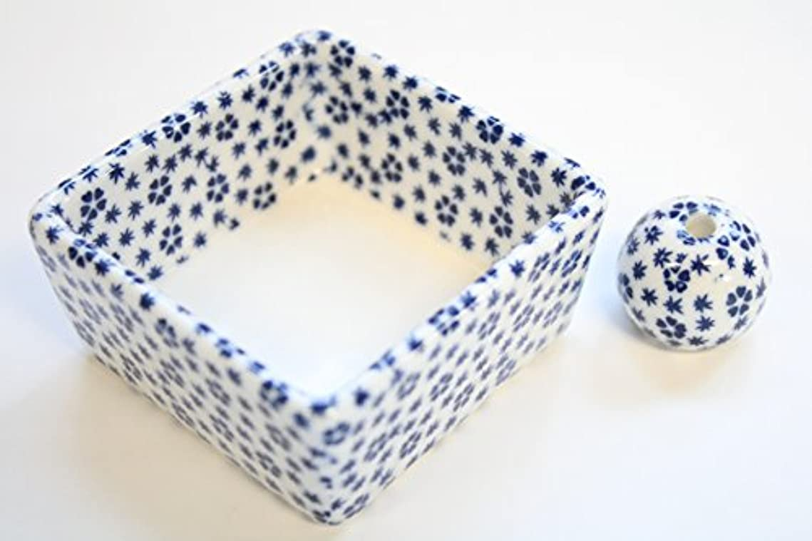 フェミニンダイアクリティカル刺します和モダン 桜小紋(青) お香立て 陶器 角鉢 製造直売品