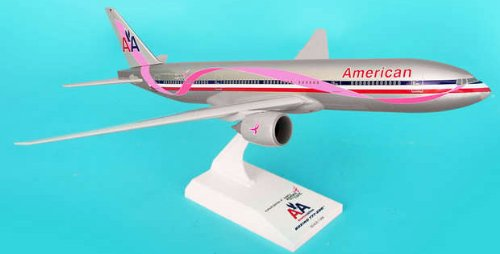 1: 200 スカイマークス アメリカン 航空 ボーイング 777-200 Susan G Komen Colors (並行輸入)