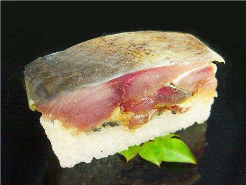 福井一、鯖を扱う料理店の押し寿司:生さば寿司炙り醤油・小サイズ