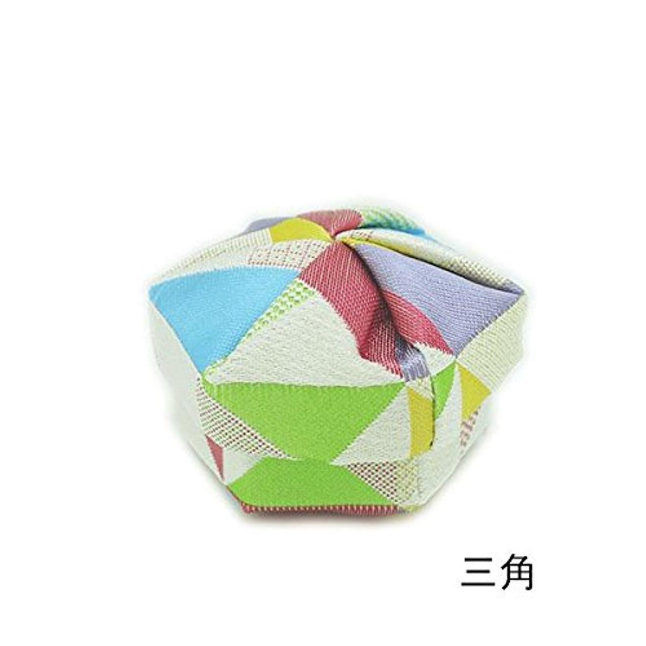 食い違いセージ内陸なにいろ 布香合  (三角)
