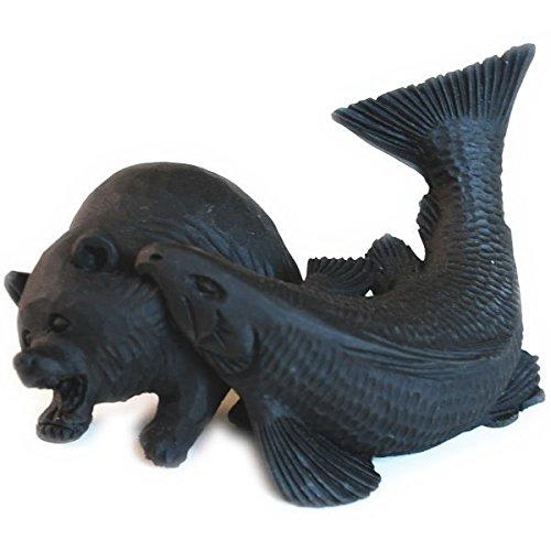 【ノーブランド品】 エコ炭の置物 【鮭にくわえられた熊 小サイズ】