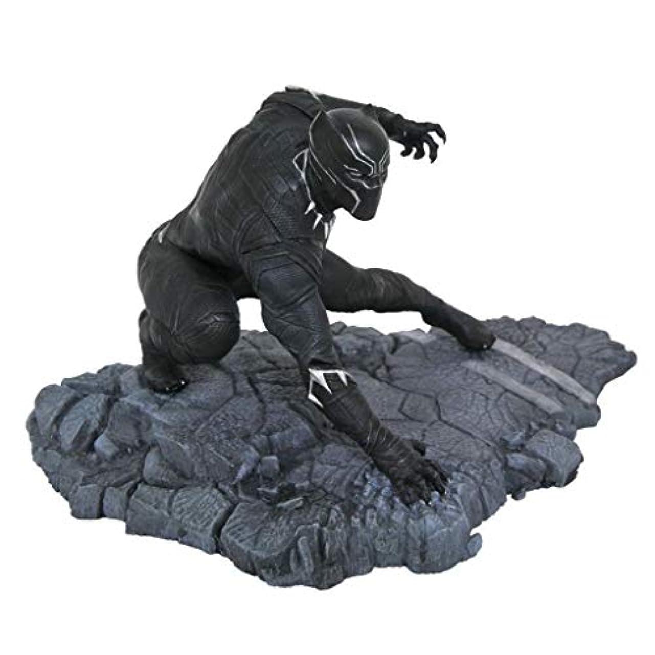 服を洗う放射能不安玩具像玩具モデル漫画キャラクターブラックパンサー映画シリーズキャラクターお土産像15センチ Hyococ