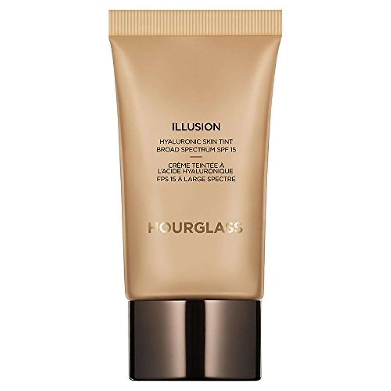 バウンスアジテーション聞く黄金の砂時計錯覚ヒアルロン肌の色合い (Hourglass) (x6) - Hourglass Illusion Hyaluronic Skin Tint Golden (Pack of 6) [並行輸入品]