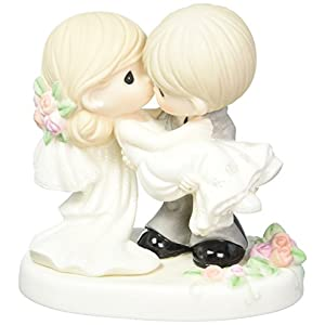 Precious Moments 153008ウェディングギフト、on the Threshold of a Lifetime of Happiness、ビスク磁器フィギュアby Precious Moments