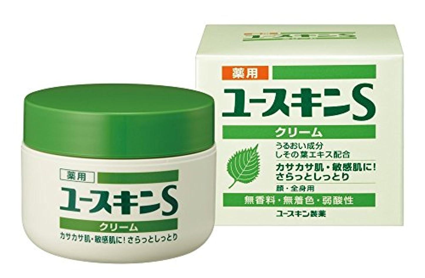 櫛泥だらけ床を掃除するユースキン製薬 薬用ユースキンSクリーム 70g(医薬部外品)