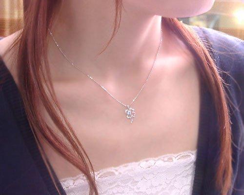 11月の誕生石ブルートパーズ 四つ葉のクローバー ネックレス ペンダント 幸せの誕生石を贈ろう!限定販売!【K18ホワイトゴールド(K18WG)】