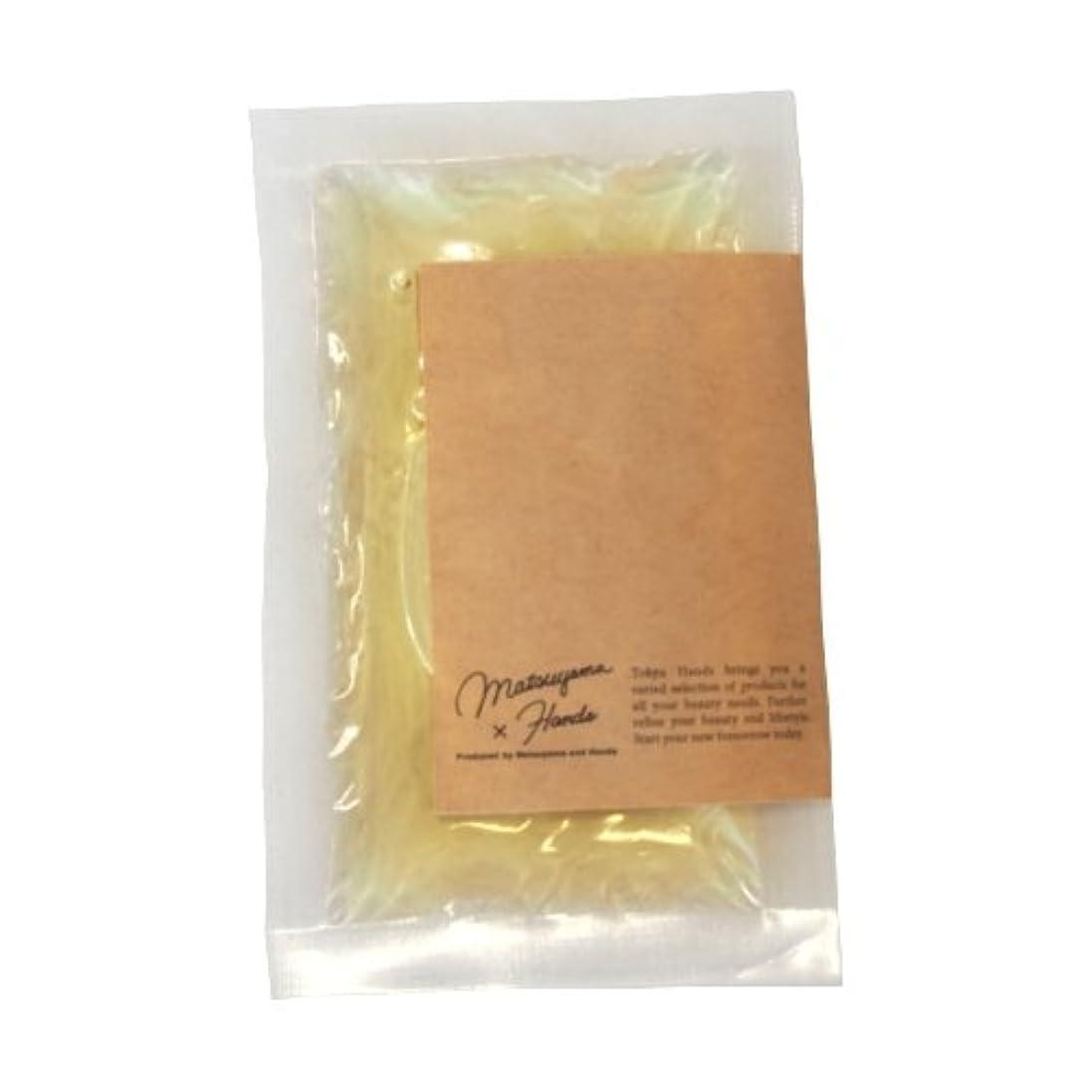 騒々しい秘密の黒松山油脂×東急ハンズ モイスチャーバスエッセンス カモミール 20mL