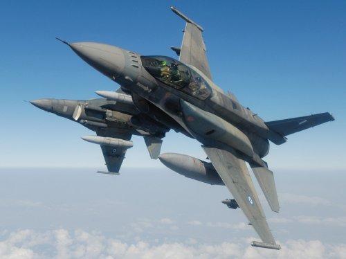 1/48 F-16D ブロック52プラス ファイティングファルコン ギリシャ空軍
