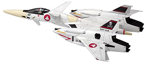 Wave Macross VF-4 fighter form 1 72 scale Height approx 21cm color-coded pre-pl