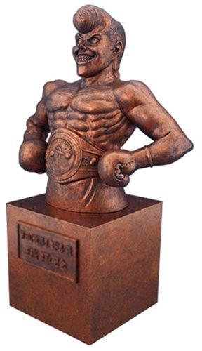 鷹村の胸像 世界J.ミドル級王座奪取記念像