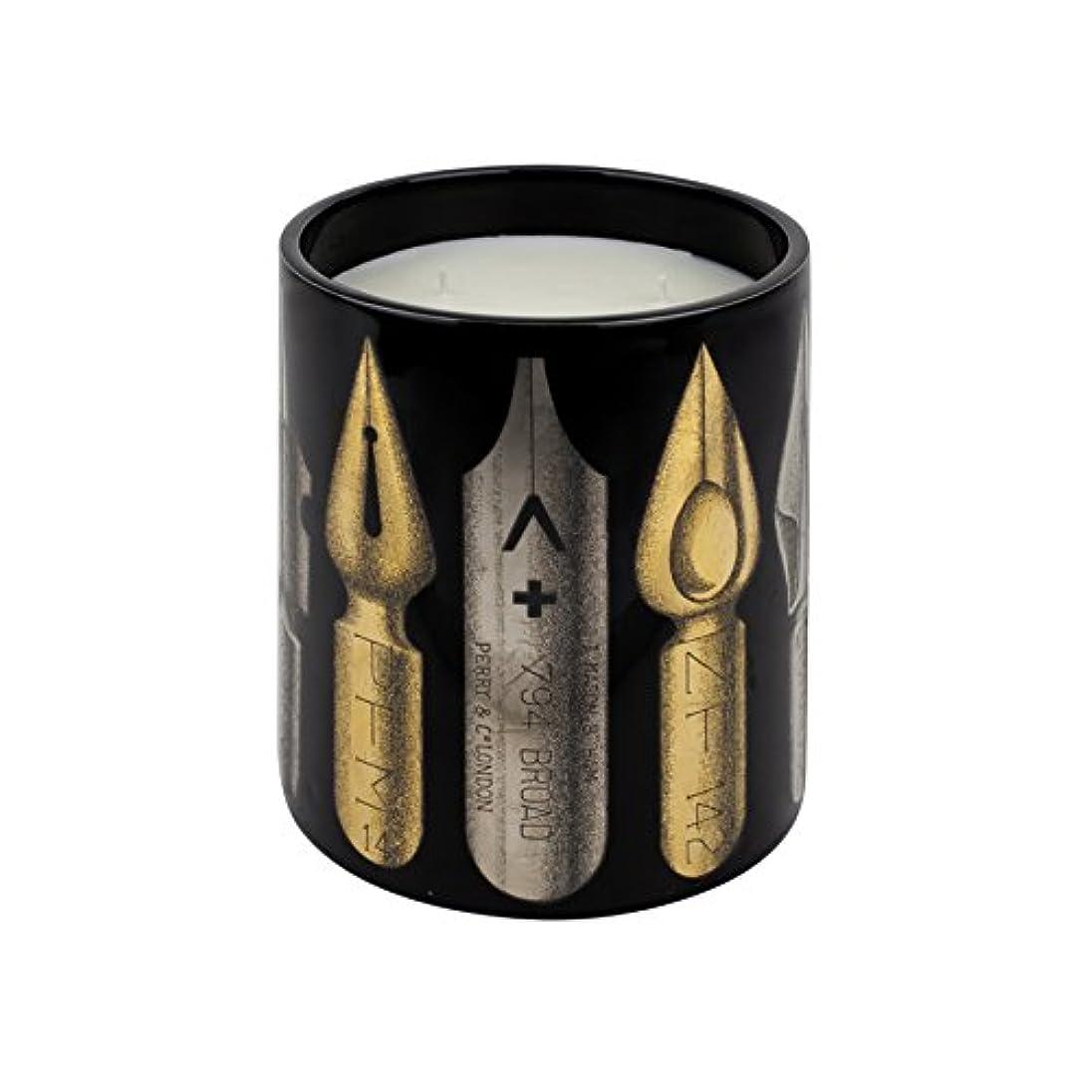 オーバードロー静める過激派Fornasetti PENNINI Nero Large Scented Candle、1.9 KG(1900g)