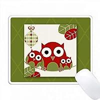 緑と赤のかわいい野生動物のクリスマスオウルファミリー PC Mouse Pad パソコン マウスパッド