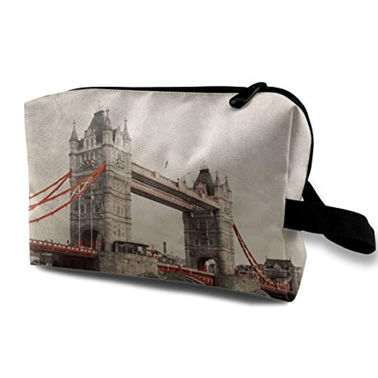 そこからモート大工Tower Bridge In London 収納ポーチ 化粧ポーチ 大容量 軽量 耐久性 ハンドル付持ち運び便利。入れ 自宅?出張?旅行?アウトドア撮影などに対応。メンズ レディース トラベルグッズ