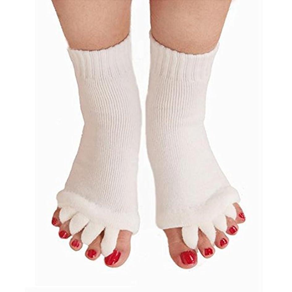 ナプキン全部特許5本指 ソックス 靴下 足指全開 スリーピングソックス 足指ケア 痛みを軽減する 外反母趾 偏平足対策 ヨガウェア 美脚 就寝時用 快眠 むくみ解消 ホワイト 1ペア