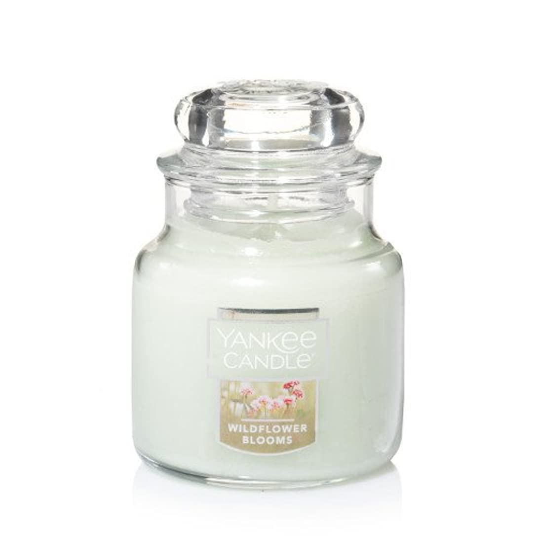歩く迫害コントラストYankee Candle Wildflower Blooms