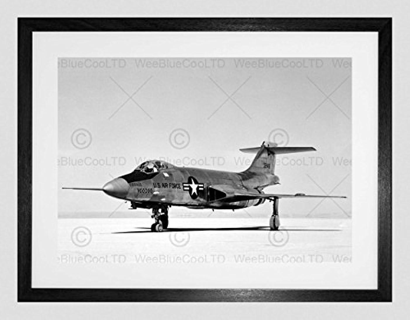 資源プロポーショナル三Military Air Plane Fighter Jet F101a Voodoo Framed Wall Art Print 軍隊飛行機ファイター壁