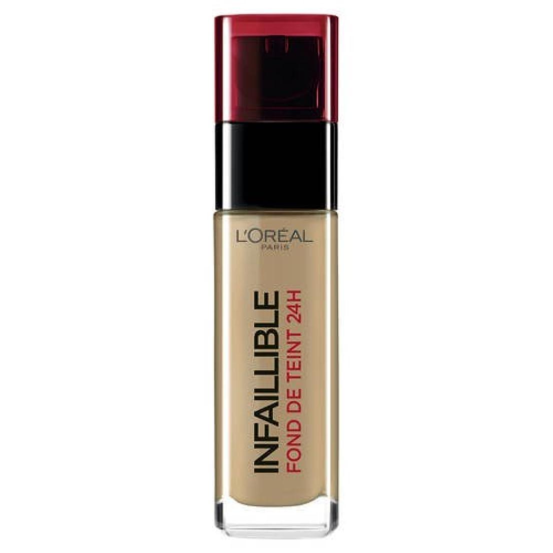 傑作くしゃくしゃ愛人L 'Oréal Paris - Infaillible Fond de Teint - 220 - Sable