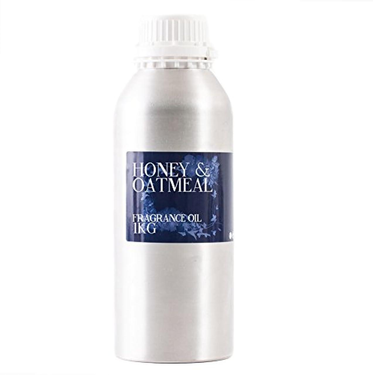 変換する接ぎ木飛び込むMystic Moments   Honey & Oatmeal Fragrance Oil - 1Kg