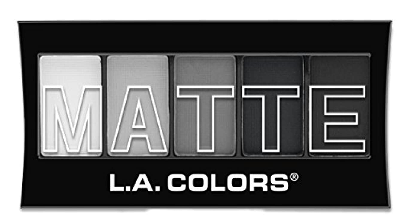 追記シーズン消えるL.A. Colors Matte Eyeshadow Black Lace (並行輸入品)