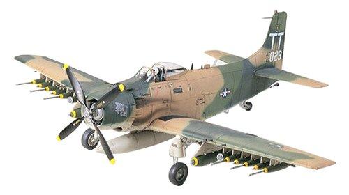 タミヤ 1/48 傑作機シリーズ No.73 アメリカ空軍 ダグラス A-1J スカイレイダー プラモデル 61073
