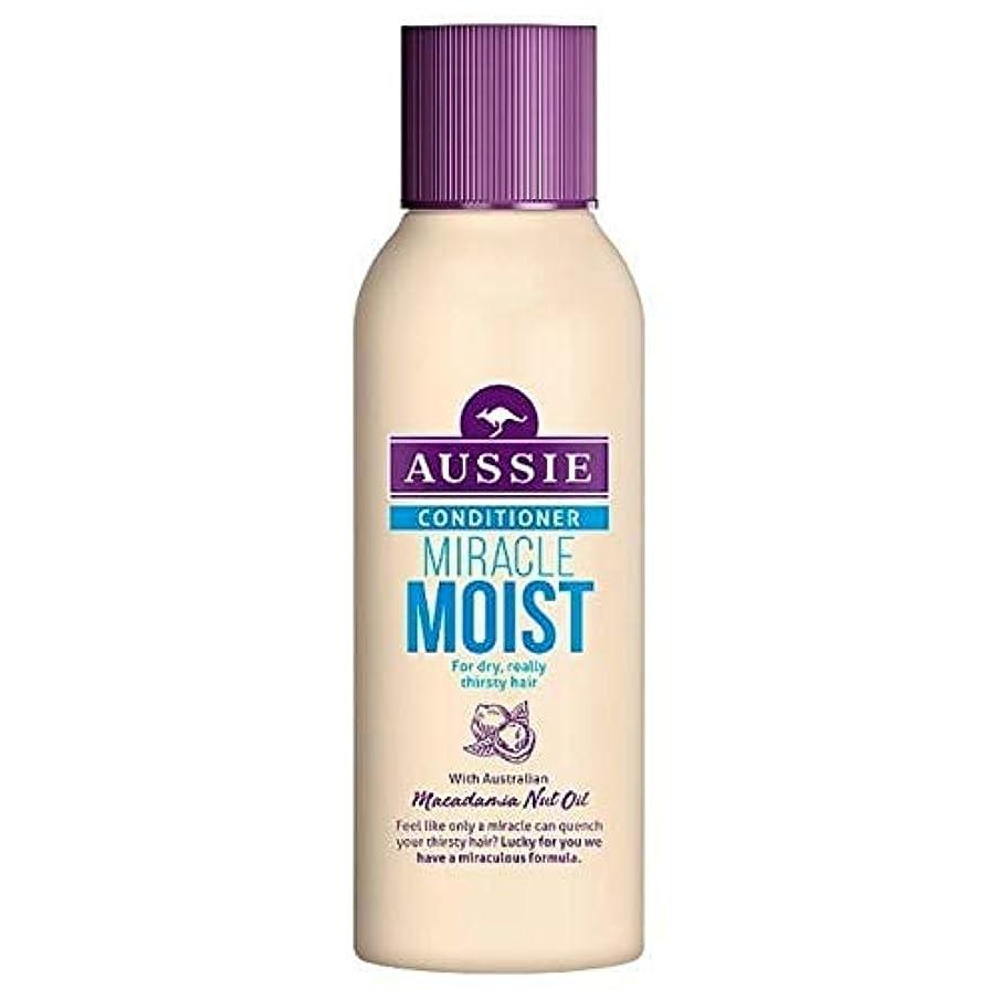 ガイダンス共感するコントローラ[Aussie ] 乾いた、のどが渇い毛90ミリリットルのためのオーストラリアの奇跡しっとりコンディショナー - Aussie Miracle Moist Conditioner For Dry, Thirsty Hair...