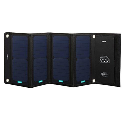 AUKEY ソーラーチャージャー 28W ソーラー充電器 2USBポート 四つ折りたたみ式 ソーラーパネル USB充電器 防災 非常用 節電 iPhone iPad Galaxy など スマートフォン タブレット モバイルバッテリー 対応 スマホ充電器 アウトドア PB-P5