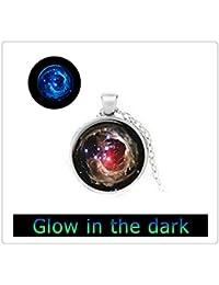 暗い、スペース星雲輝くネックレス、ガラスアートペンダントでギャラクシーペンダント、グロー光ります