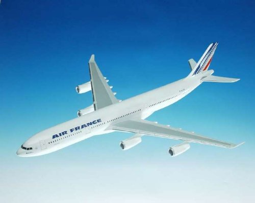 1: 100 エグゼクティブシリーズ Air France エアバス 340-300 with Wooden Base (並行輸入)
