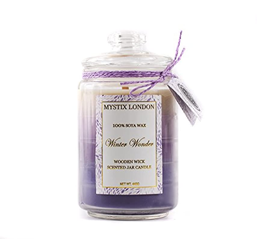 悪質な習字政治的Mystix London | Winter Wonder Wooden Wick Scented Jar Candle 440g