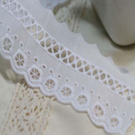 14ヤード刺繍コットンアイレットレーストリム5cm YH1295(並行輸入品) (ホワイト)