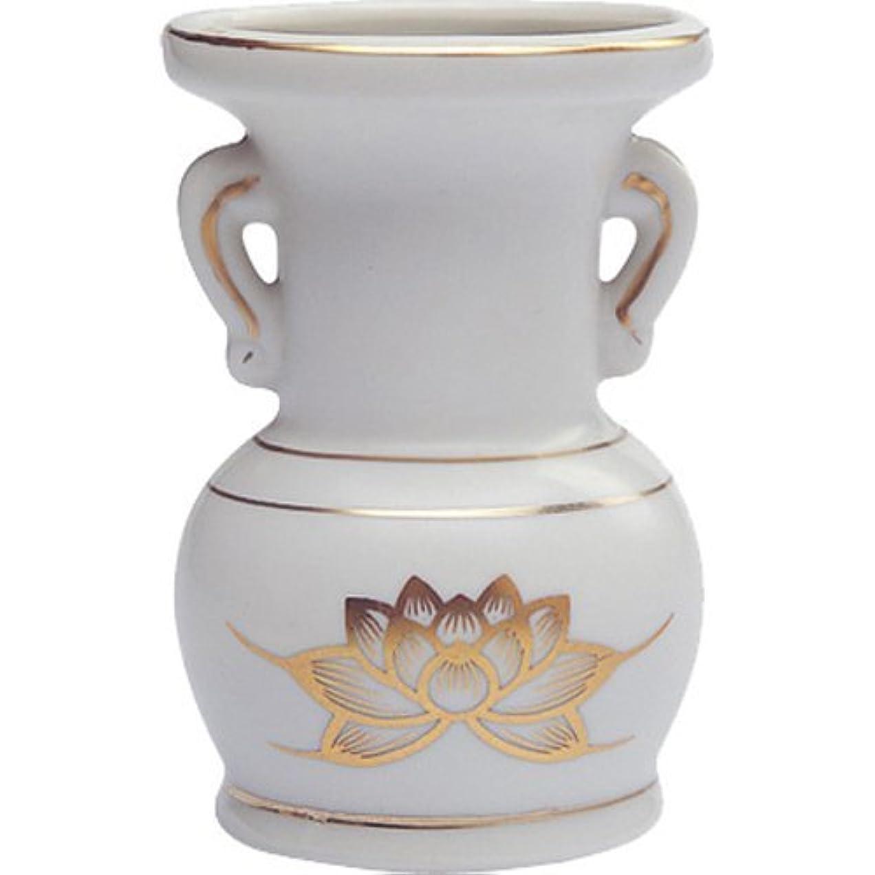 例示するタイルお母さん花立て 陶器(白磁)