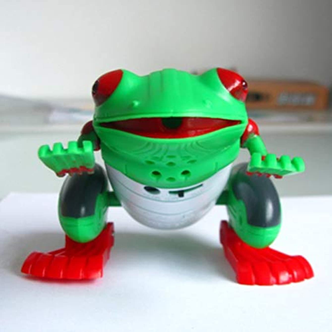 意図的きゅうりグリーンランドDeeploveUU 赤外線リモートコントロール現実的な偽カエルRCいたずら昆虫バグジョーク怖いトリック玩具子供ギフトハロウィンパーティーサプライズ