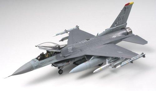タミヤ 1/48 傑作機シリーズ No.98 アメリカ空軍 ロッキード マーチン F-16CJ ブロック50 ファイティング ファルコン プラモデル 61098