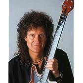 ブロマイド写真★ブライアン・メイ(Brian May)/ギターを立てて持つ/クイーン(Queen)