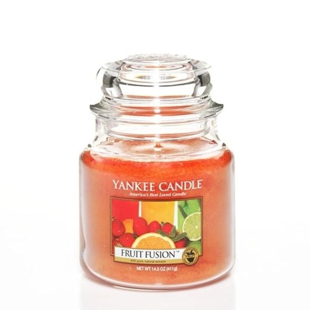 無法者月同盟Yankee Candle Fruit Fusion Medium Jar Candle、フルーツ香り