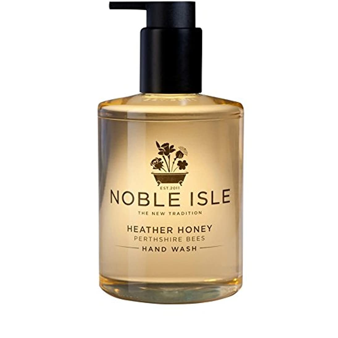 チャンピオンつぶやきふざけたNoble Isle Heather Honey Perthshire Bees Hand Wash 250ml (Pack of 6) - 高貴な島杢蜂蜜パースシャー蜂のハンドウォッシュ250ミリリットル x6 [並行輸入品]