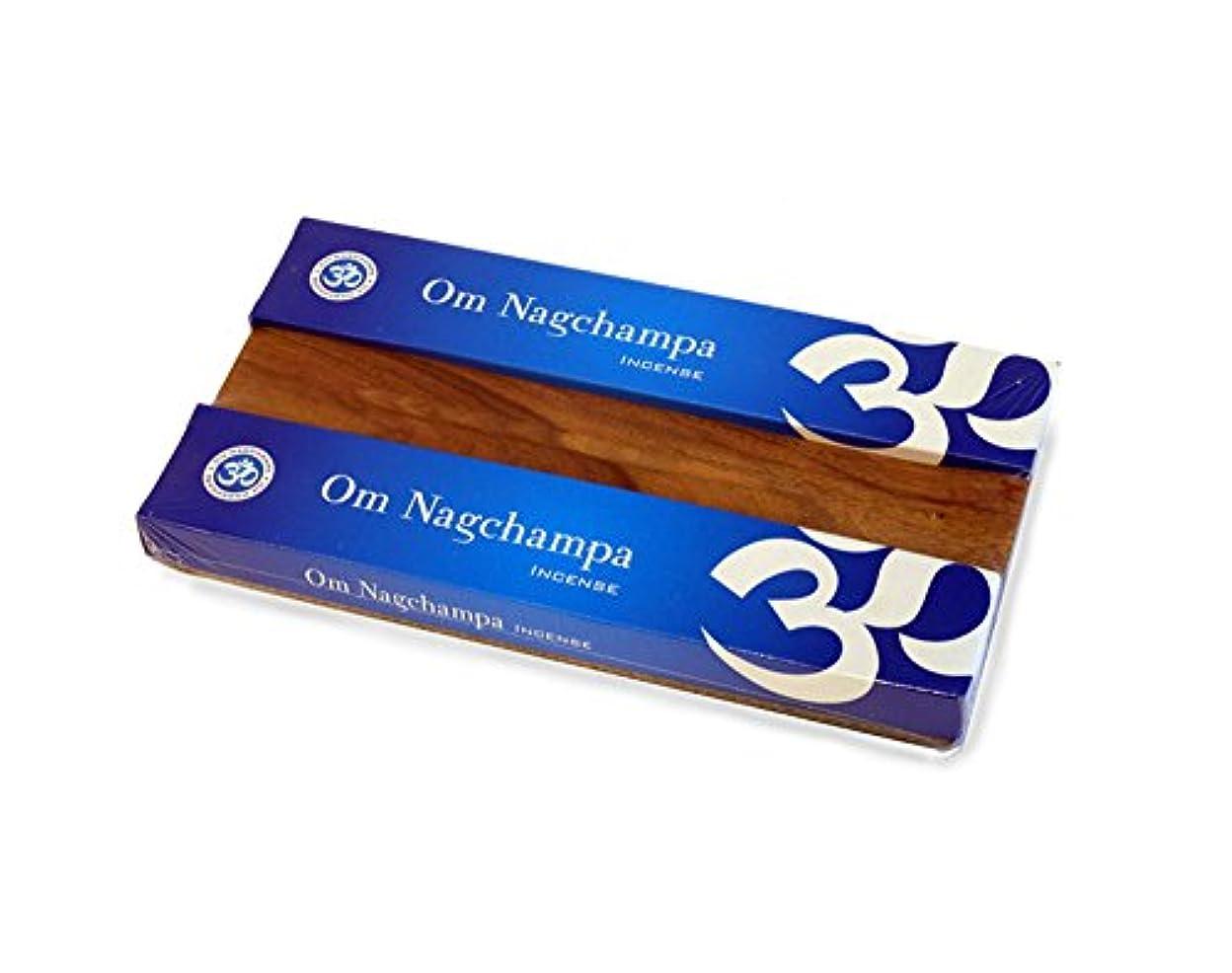 みなす競争数字Om Nagchampa x2 15グラムIncense Gift Pack Set w Burner