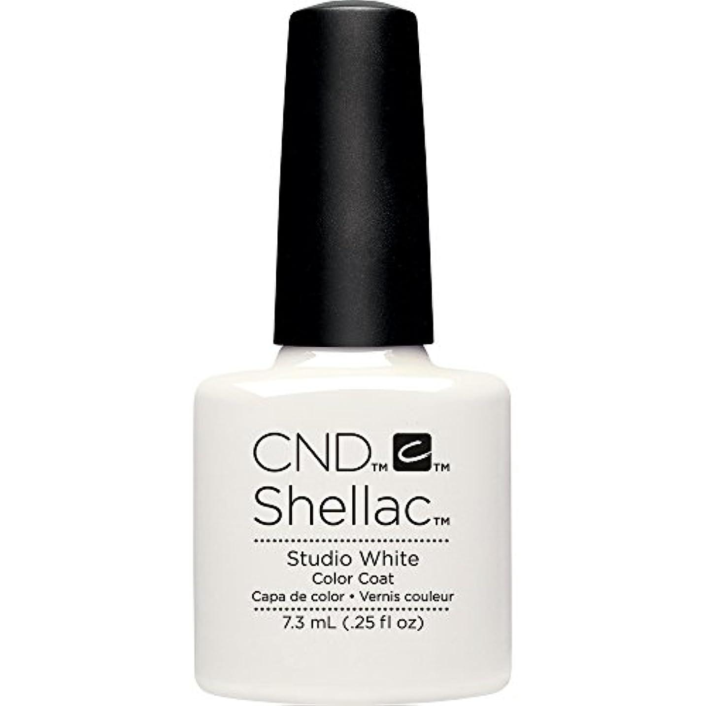亜熱帯強い選出するCND(シーエヌディー) シェラック UVカラーコート7.3mL 526 Studio White(マット)