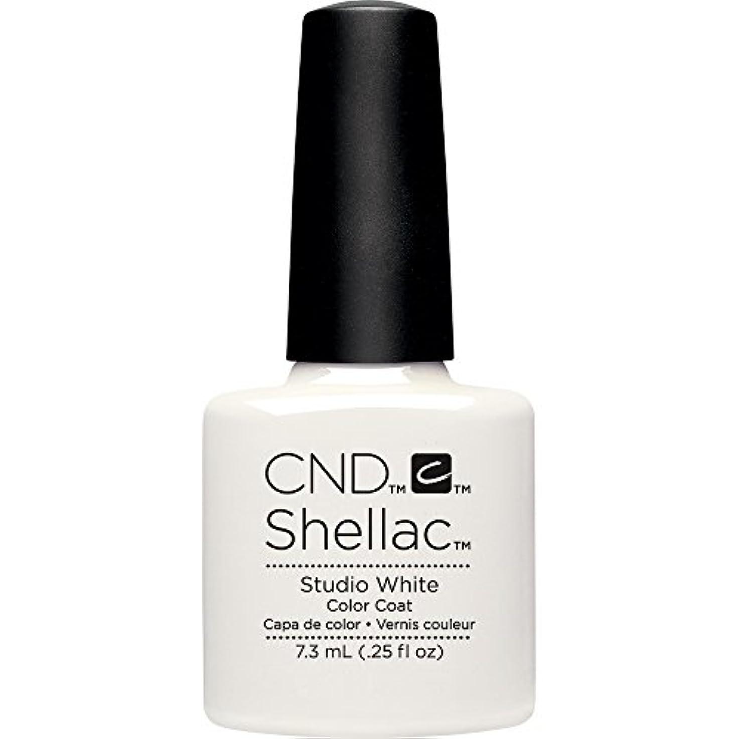組み合わせる散らす印刷するCND(シーエヌディー) シェラック UVカラーコート7.3mL 526 Studio White(マット)
