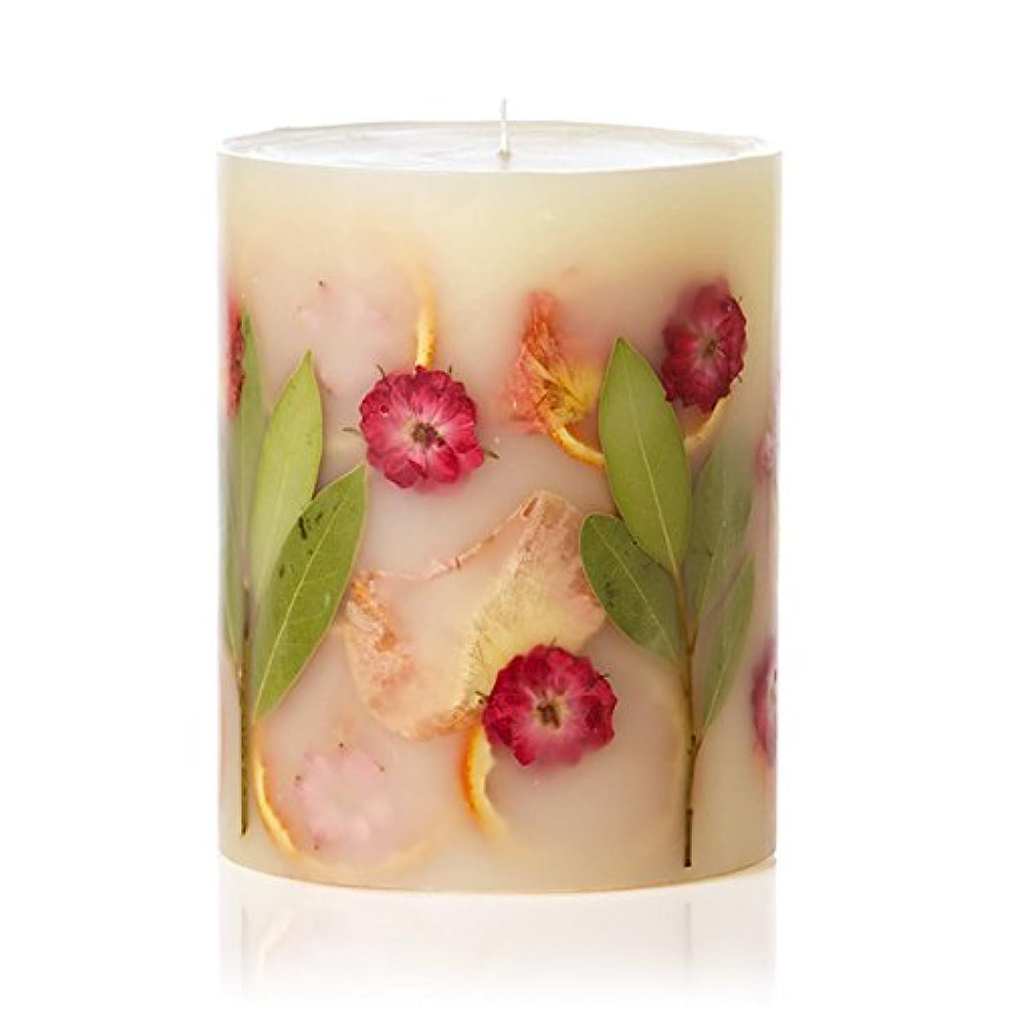 人差し指宣伝止まるロージーリングス ボタニカルキャンドル トールラウンド ピオニー&ポメロ ROSY RINGS Round Botanical CandleTall Round Peony & Pomelo