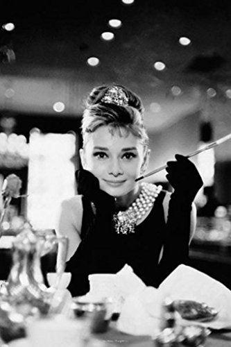 Audrey Hepburn Breakfast at Tiffanys Romanticコメディ映画フィルムティファニーで朝食をポスター24x 36