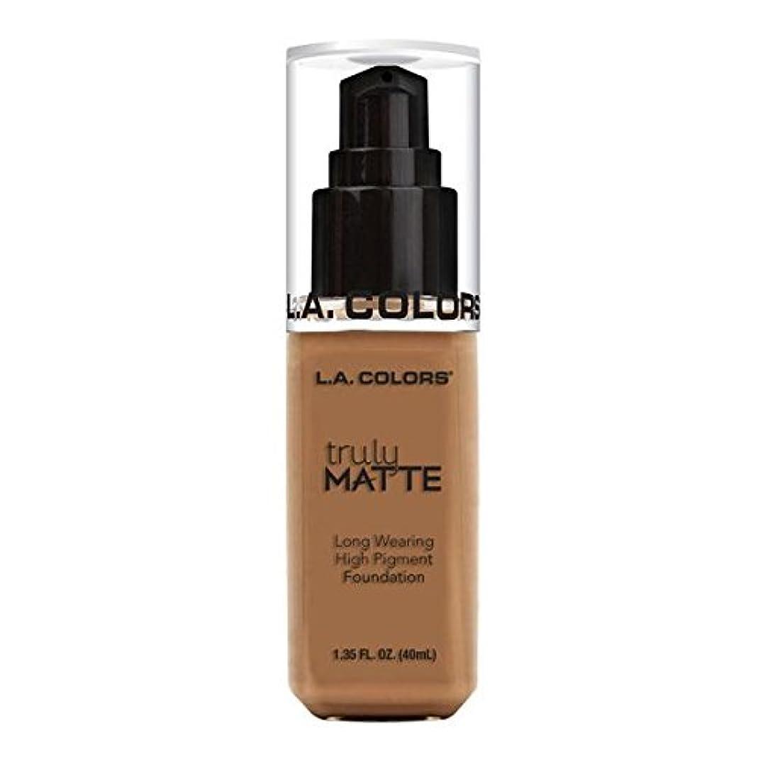 ボクシング惨めなめったに(3 Pack) L.A. COLORS Truly Matte Foundation - Deep Tan (並行輸入品)